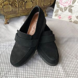 Life Stride Shoes - Life Stride Suede Leather slip-ons Size 8
